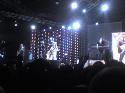 Café Tacuba en concierto, foto de mi celular